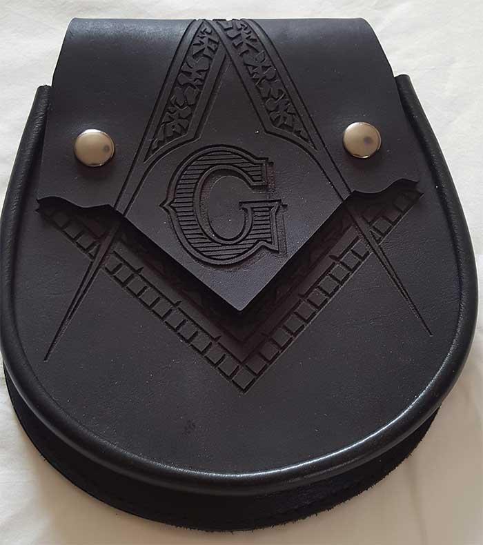 Leather sporran for kilt